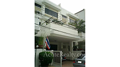 townhouse-for-sale-for-rent-mid-of-sukhumvit