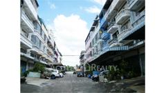 shophouse-for-sale-pracha-uthit-road