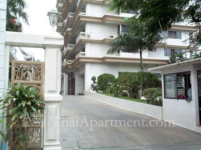 Bangkapi Mansion image 1