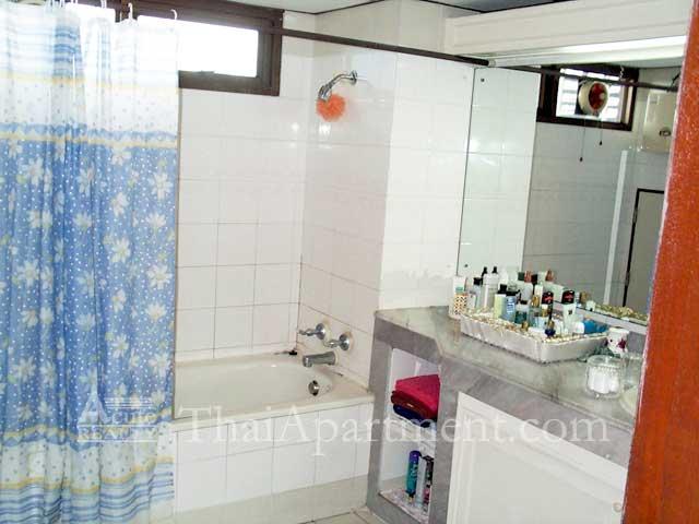 Bangkapi Mansion image 17