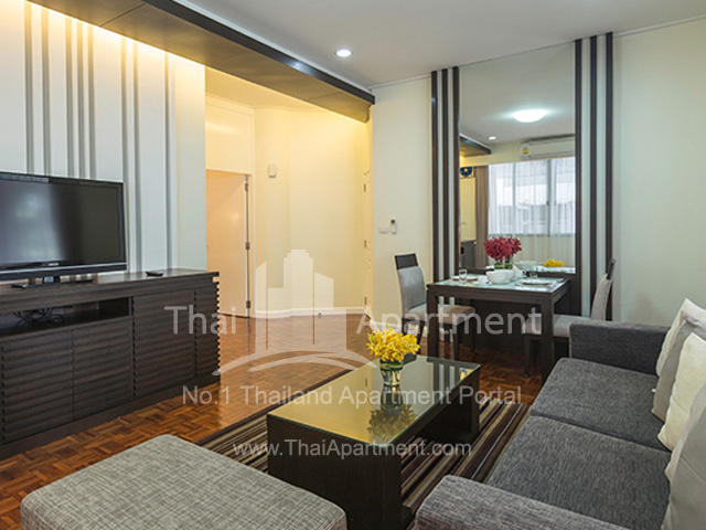 Krystal Court  (Sukhumvit Soi 7 )  image 6