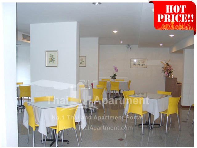 The Blooms Apartment & Hotel image 12