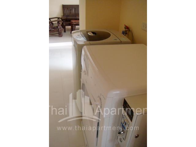 Mine Sasri Apartment image 5