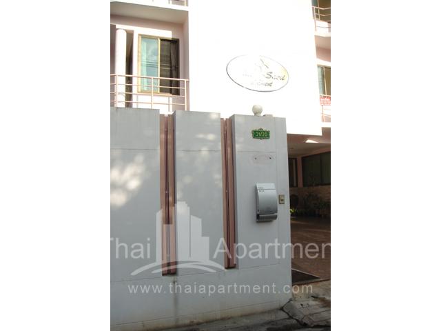 Mine Sasri Apartment image 9