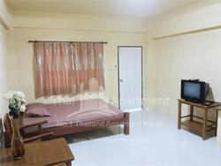 Room  No.9 (Near MRT Huay Kwang) image 3