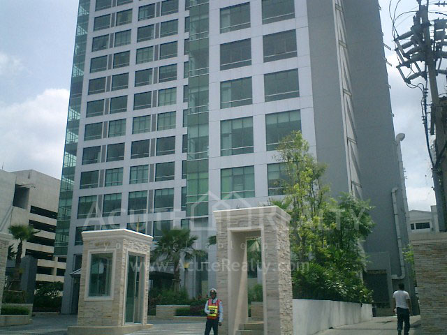 condominium-for-sale-for-rent-baan-sathorn-chaophraya