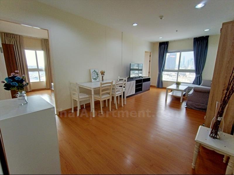 condominium-for-rent-le-rich-trendy-condo-satupradit-