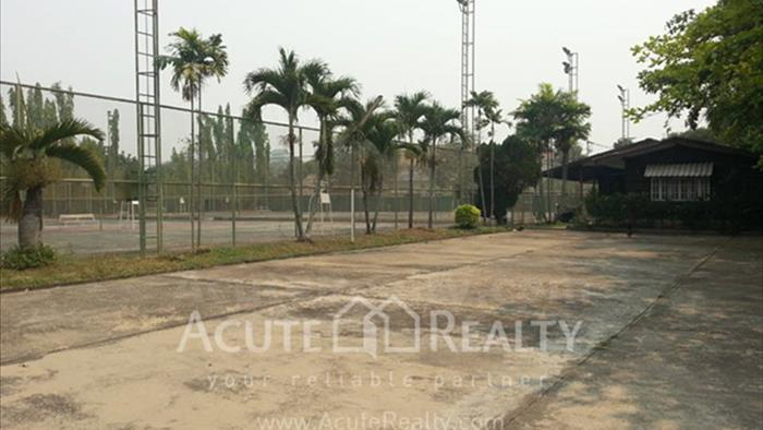 Land  for sale Klong Chonprathan road image3