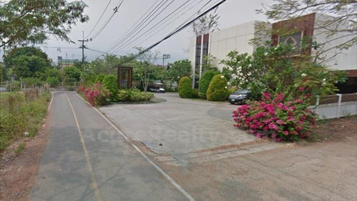Land  for sale Klong Chonprathan road image6