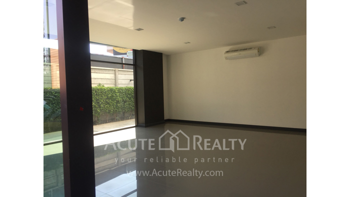 Condominium  for sale Stylish Chiang Mai Condominium Klong Chonprathan Road image2