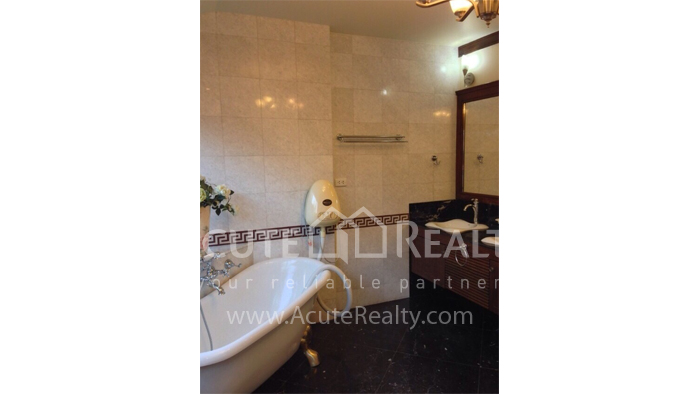 House  for sale Hang Dong image11