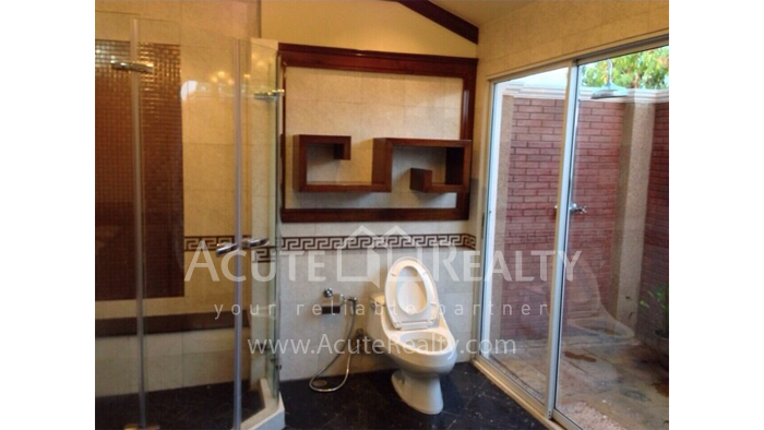 House  for sale Hang Dong image14
