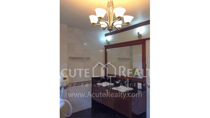 House  for sale Hang Dong image30
