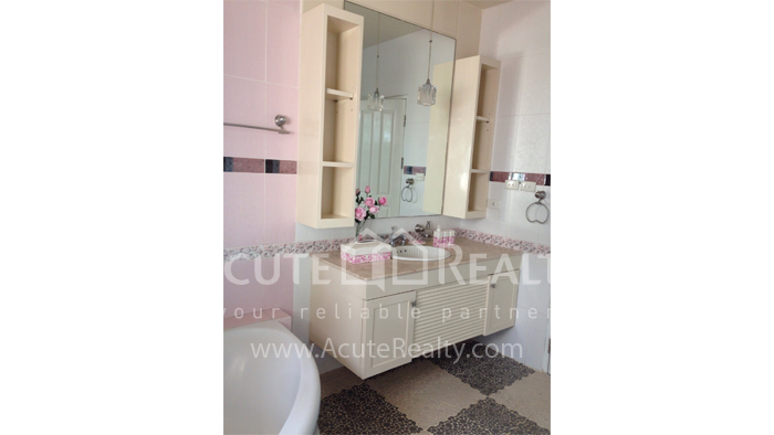 House  for sale Hang Dong image34
