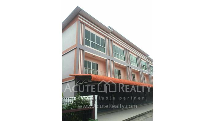 Shophouse  for sale Nong Pa Khrang image0
