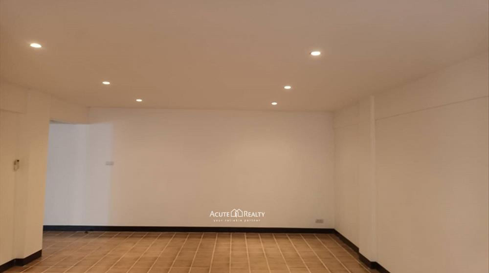 公寓  for sale PP Condominium Charoen Muang image1