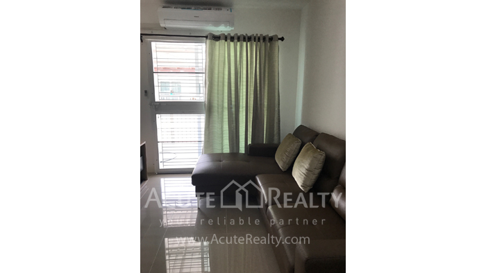 Townhouse  for sale & for rent Mae Hia image1