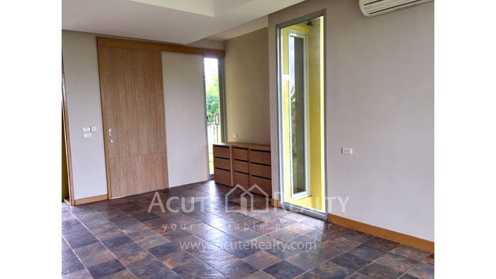 House  for sale & for rent Nong Han image3