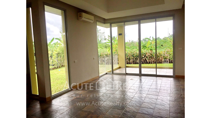 House  for sale & for rent Nong Han image4