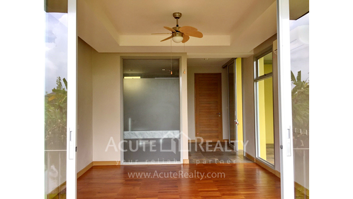 House  for sale & for rent Nong Han image13