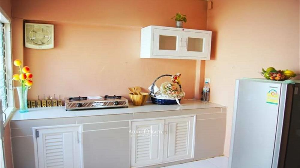 Townhouse  for sale Suthep image2
