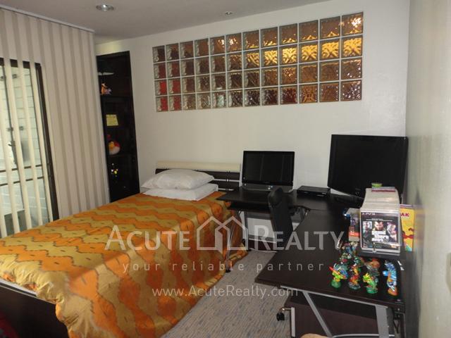 Condominium  for rent Baan Somthavil Rajdamri BTS image1