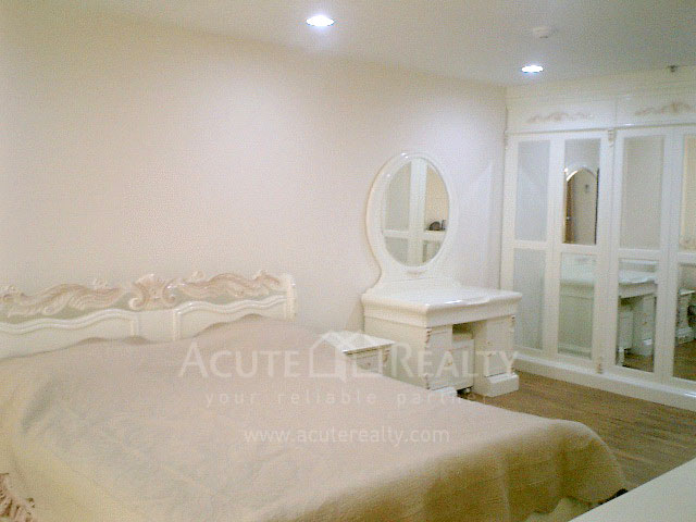Condominium  for sale & for rent River Heaven Charoenkrung road. image2
