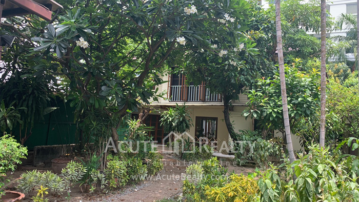 House  for rent Sarasin Road  image0