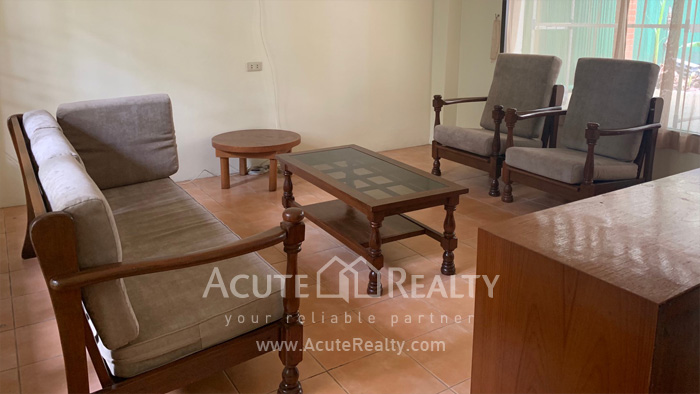 House  for rent Sarasin Road  image2