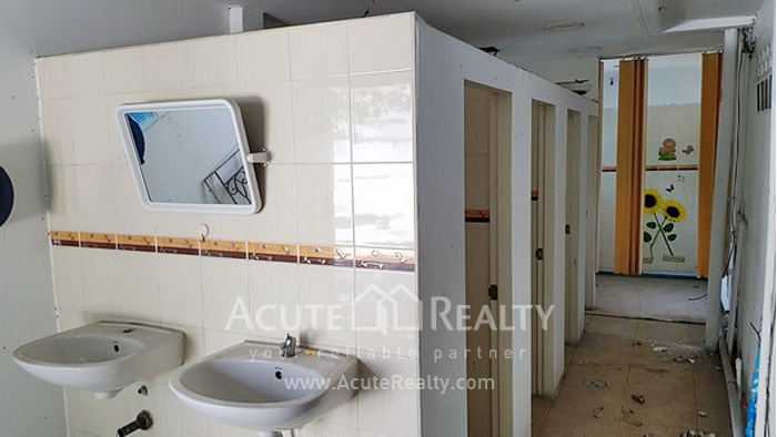 Home Office, Showroom  for rent Rama 3 - Narathiwas Rd. image12