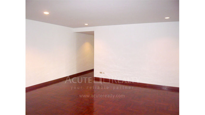 Condominium  for rent Baan Somthavil Ratchadamri image1
