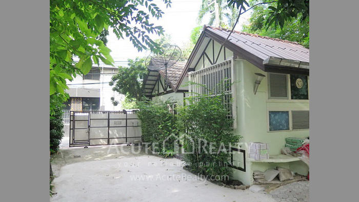 House, Land  for sale Rama 4 and Sukhumvit Rd. image3