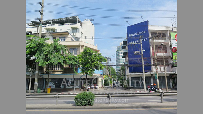 House, Land  for sale Rama 4 and Sukhumvit Rd. image14