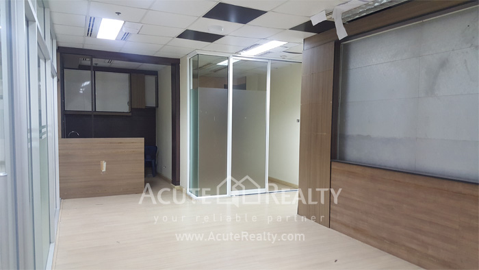 Office Space  for rent Silom image1