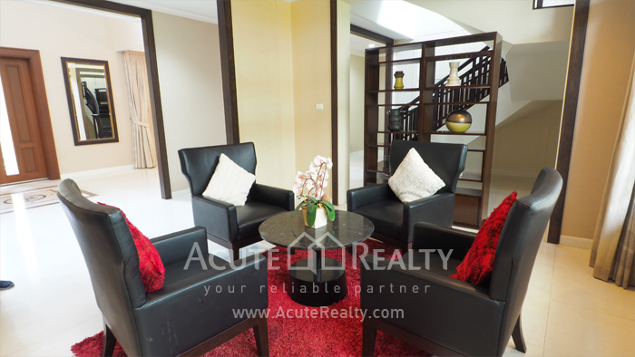 House  for sale & for rent Pattanakarn-Srinakarin Road image4