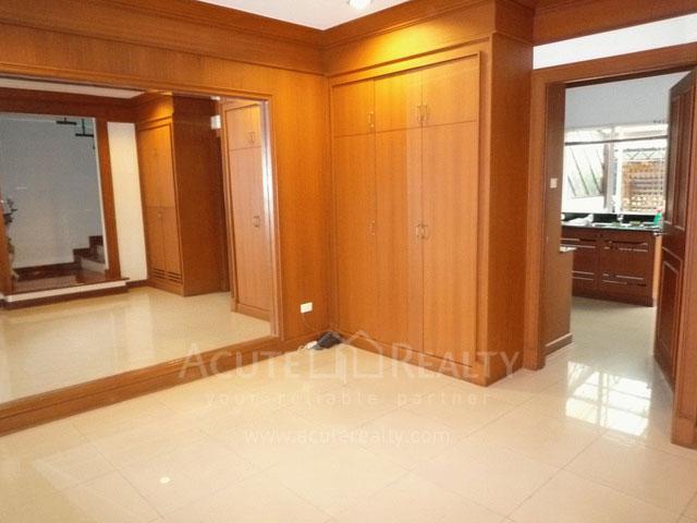 联排别墅  for rent Sukhumvit 55 image9