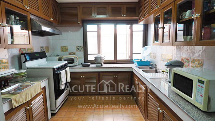House, Home Office  for sale Ratchadaphisek 36 (Soi Suea Yai Uthit)  image9