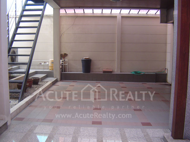 House, Home Office  for sale Ratchadaphisek 36 (Soi Suea Yai Uthit)  image15