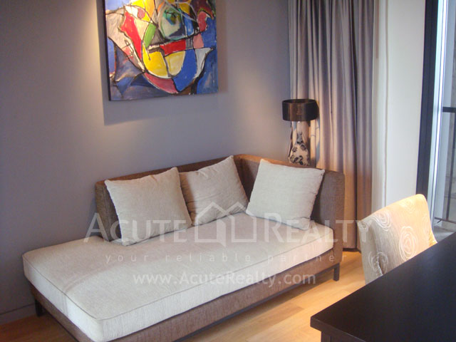 Condominium  for rent The Met Sathorn image3