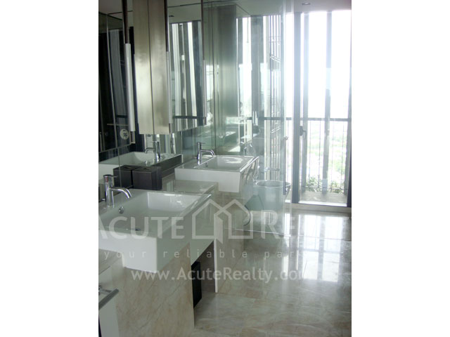 Condominium  for rent The Met Sathorn image7