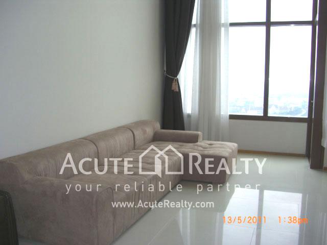 公寓  for sale & for rent The Emporio Place Sukhumvit 24 image0