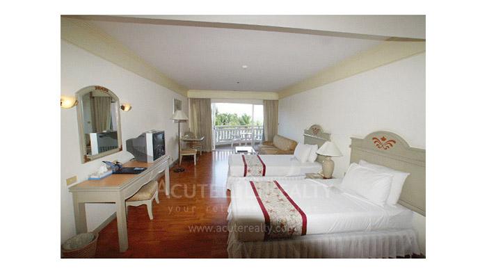 condominium-for-sale-for-rent-springfield-beach-resort