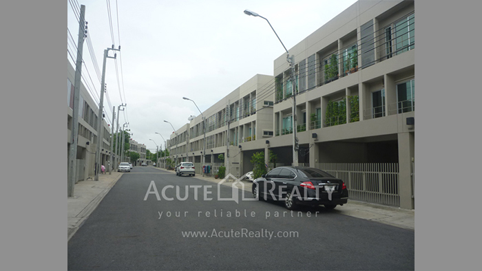 Townhouse  for sale Pattanakarn 26 image2