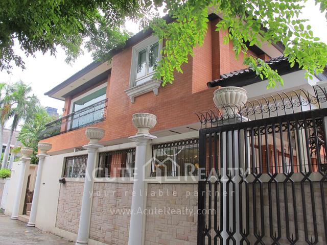 House  for rent Sukhunmvit 63 (Ekamai)  image1