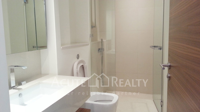 Condominium  for sale & for rent The River Chareonakorn image6
