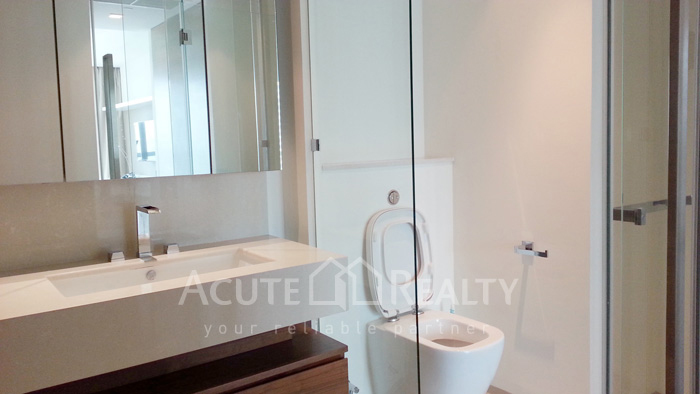 Condominium  for sale & for rent The River Chareonakorn image10