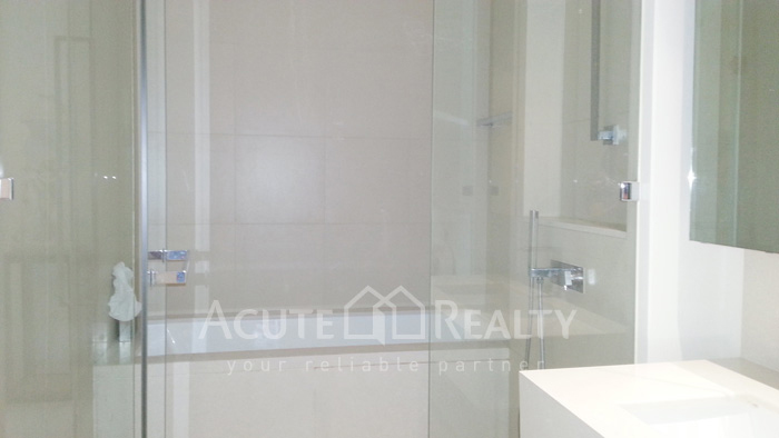 Condominium  for sale & for rent The River Chareonakorn image11
