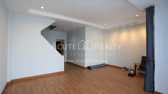 Townhouse  for sale Rama 3 image2