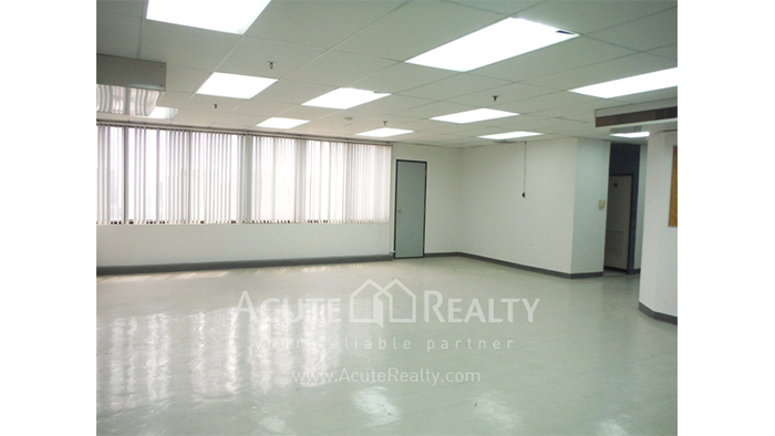 Office Space  for sale Surawong image4