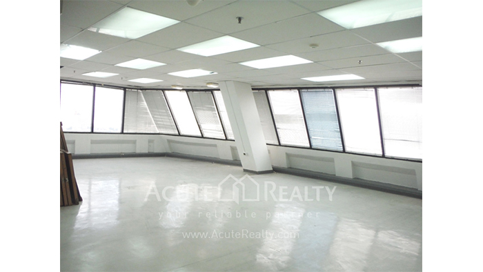 Office Space  for sale Surawong image6